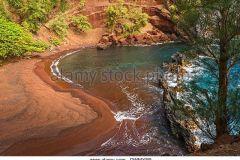 red_sand_beach_maui_94