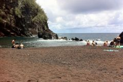 red_sand_beach_maui_95