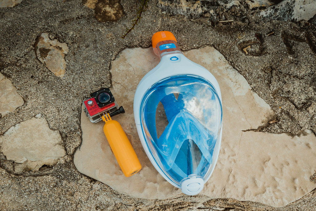 Full Face Snorkel Mask Dangers [UPDATED 2019]: What's all the Hub Bub, Bub? full face snorkel mask dangers 1